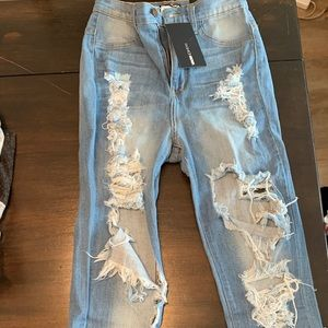 Ripped fashion nova jeans (New)